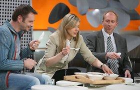 Žinomi žmonės ragavo sriubos su E621 (nuotraukos)