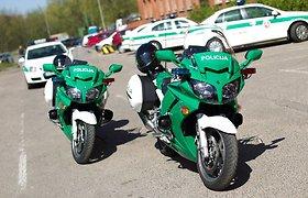 Motociklais patruliuojantys policijos pareigūnai
