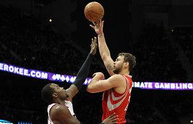 """Iš toli pataikiusio Donato Motiejūno """"Rockets"""" iššvaistė 18 taškų pranašumą ir pralaimėjo"""
