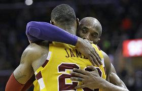NBA: šiltas apsikabinimas, LeBrono smūgis į skaudžią vietą ir komandos draugų konfliktas