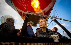 Monika Linkytė pirmąkart skrido balionu: dainos danguje, ekstremalus nusileidimas, degantys plaukai