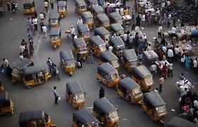 Lietuvė Indijoje pateko į avarijų virtinę: iš vienos išsigelbėjo, kitoje nukentėjo