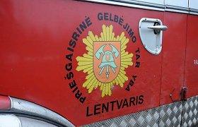 Trečiadienio rytą per gaisrą Lentvaryje žuvo žmogus