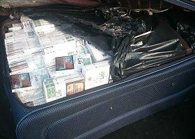 Marijampolėje sulaikytos dvi rusės gabenusios cigarečių kontrabandą