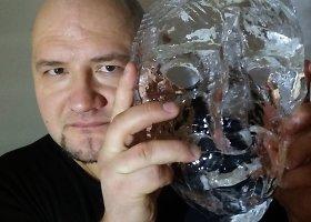 Užgavėnių kaukės iš ledo