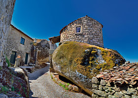 Tarp uolų įsispraudęs viduramžių laikų kaimelis Portugalijoje