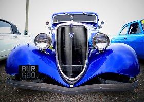 """Klasikinių automobilių paroda """"Classic Cars On The Prom"""" Bornmute"""