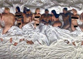 """Kanye Westo vaizdo klipas """"Famous"""" su 11 nuogų įžymybių"""