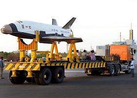 Indijos raketa nešėja RLV-TD sėkmingai pakilo ir nusileido