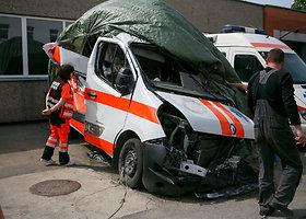 Greitosios pagalbos automobilis patekęs į eismo įvykį