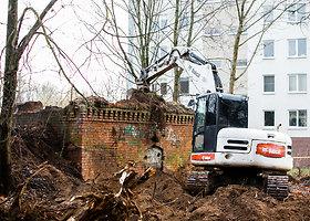 Kauniečiai sunerimo dėl statybų aikštelėje pjaunamų medžių
