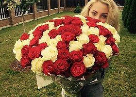 Liepą Norkevičienę jos vyras Evaldas nustebino milžiniška rožių puokšte