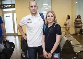 Laura Asadauskaitė ir Justinas Kinderis Vilniaus oro uoste