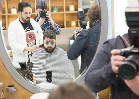 Rafailas Karpis sėdosi į barzdaskučio kėdę