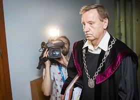 Teismas skelbė sprendimą dėl R.Kurlianskio suėmimo pratęsimo