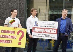Lietuvos vežėjų piketas prie Europos komisijos atstovybės