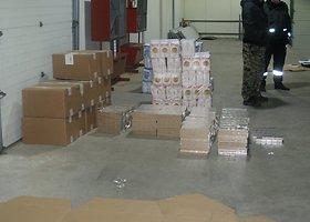 Muitininkai sulaikė tarp miltų slėptą cigarečių kontrabandą