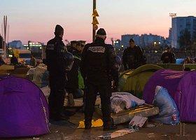 Iš Paryžiaus migrantų stovyklos evakuota daugiau kaip 1 tūkst. žmonių