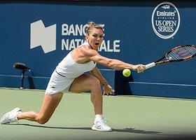 """Angelique Kerber """"Rogers Cup"""" pusfinalyje nusileido Simonai Halep"""