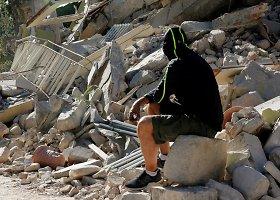 Po žemės drebėjimo Italijoje humanitarinė pagalba ir besitęsiančios dingusių žmonių paieškos