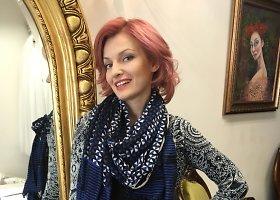 Viktorija Jakučinskaitė persidažė plaukus tamsiai rausva spalva