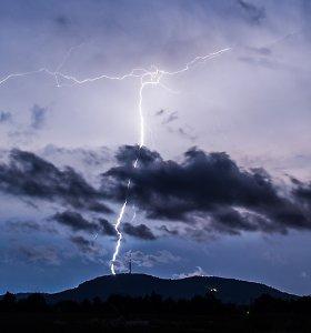 Orai.lt: nuotaiką gadins lietus ir perkūnija