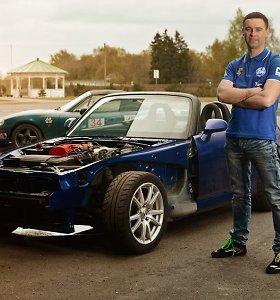 """Darius Jakštonis sieks paneigti mitą, kad """"Honda S2000"""" valdomas blogiau už """"Mazda MX-5"""""""