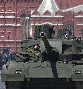 """Vokietijos žiniasklaida: Rusijos tankas """"Armata"""" pagamintas pagal senus Vakarų brėžinius"""