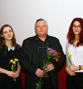 Knygas išleidusios 18-metės poetės Adelė Mažeikaitė ir Austėja Narusevičiūtė turi misiją