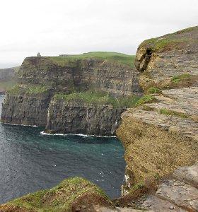 Airija šėlsta dėl gėjų šeimų, vilioja uždarbiu, Guinnesso alumi ir Mohero skardžiais