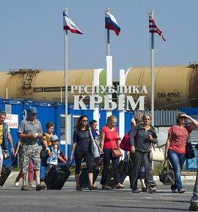 Verslas mausto ir Rusiją, ir ES – toliau veža prekes į Krymą