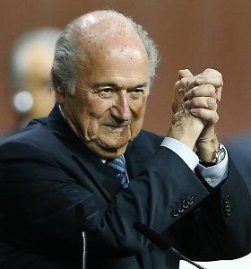 Seppas Blatteris dar ketverius metus vadovaus FIFA – princas Ali pasitraukė iš kovos