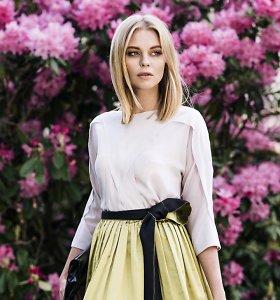 Ramunė Piekautaitė pristatė vasaros kokteilinių suknelių kolekciją