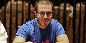 Pokerio genijus Danas Smithas pasidalijo savo sėkmės paslaptimis