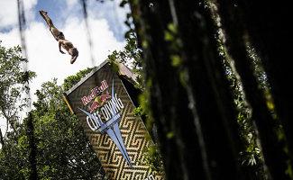 """""""Red Bull Cliff Diving World Series 2014"""" čempionai karūnuoti Meksikoje"""