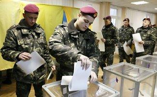 Ukrainoje vyksta pirmalaikiai parlamento rinkimai