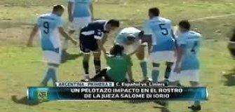 Žiauroka: Argentinos futbolininkas nokautavo mačą teisėjavusią moterį-arbitrę