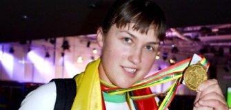 Pasaulio rankų lenkimo čempionate Vilniuje Eglė Vaitkutė iškovojo aukso medalį