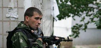 """Po teroristų muštro Rusijos kariškiai vakarais geria Luhansko restorane """"Verkiantis gluosnis"""""""
