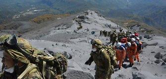 Dėl ugnikalnio išsiveržimo Japonijoje žuvusių žmonių skaičius pasiekė 43