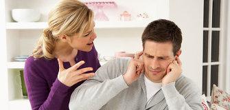 Nuo smurto namuose kenčia ir vyrai