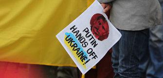 """Rašytojas Benas Juhadas: """"Turime Ukrainai duoti ginklų arba liepti pasiduoti"""""""