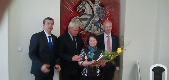 Talentingai pianistei Klaipėdoje įteikta aludarių stipendija