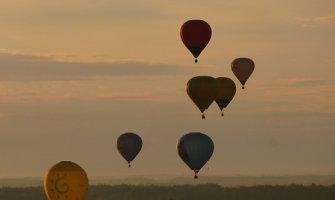Pasaulio jaunimo balionų čempionate lietuvė buvo taiklesnė už garsaus britų piloto atžalas