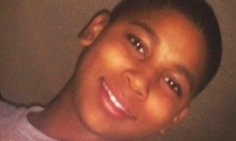 JAV policija nušovė žaislinį pistoletą laikiusį 12-metį afroamerikietį