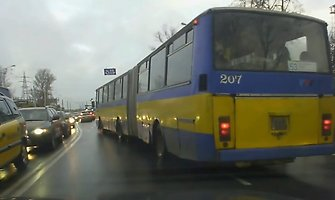 Ką išdarinėja Vilniaus autobuso vairuotojas?