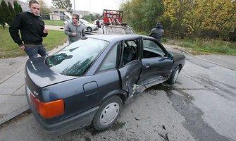 Šiauliuose klevo lapu paženklinta avarija – nukentėjo keturi automobiliai