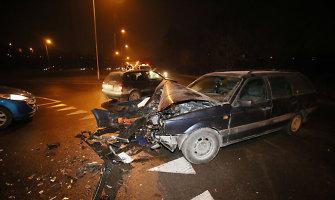 Kaune avarijos metu vairuotojas susižalojo krūtinę