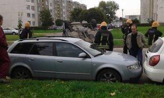 Panevėžyje automobiliu apsivertė kriminalinės policijos tyrėjas
