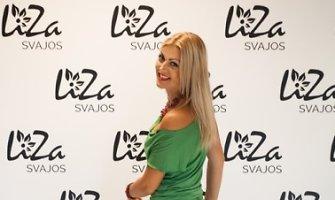 """Bičiulės dizainerės papuošta Eglė Jackaitė: """"Dar niekada neturėjau žalios suknelės"""""""